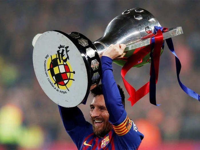 Messi Considering MLS Move