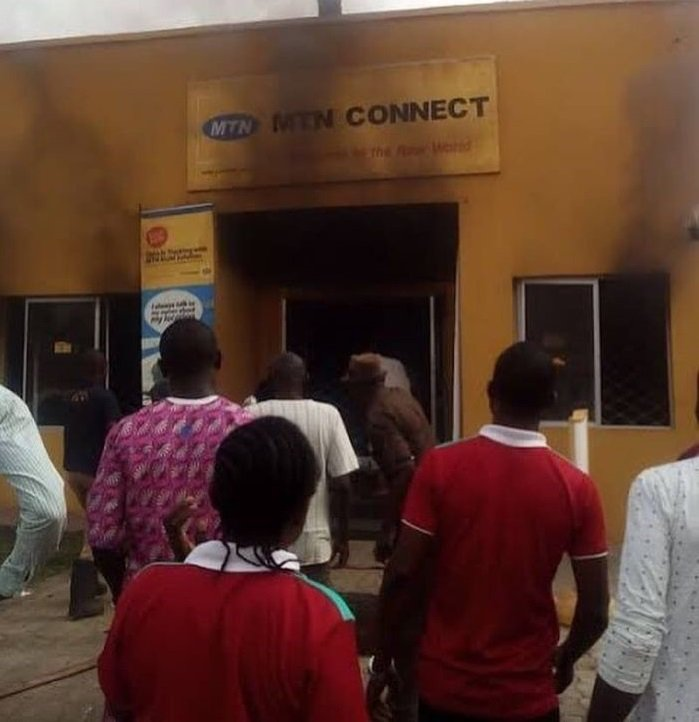GOOD MOVE OR NAH? Angry Nigerians Burn Down MTN Office In Apapa (PHOTOS)